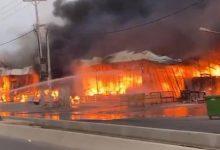 صورة هجوم على السعودية وحريق قرب منصة بترولية