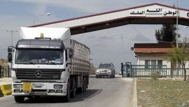 """Photo of With a """"new decision"""" … Syrian trucks enter Saudi Arabia"""