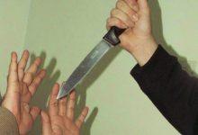 صورة امرأة عراقية تقتل ابنها طعناً بالسكاكين!!
