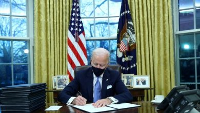 Photo of Biden begins his work … and canceled decrees for Trump
