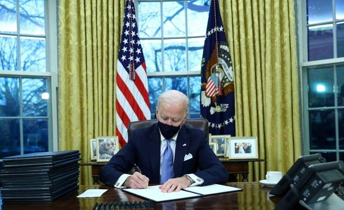 Biden signs orders to overturn immigration decisions, Arabic newspaper in Boston-USA-Profile News