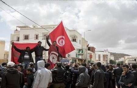 مجموعة من التونسيين يهددون بتنفيذ عملية انتحار جماعي, صحيفة عربية في بوسطن-أمريكا-بروفايل نيوز