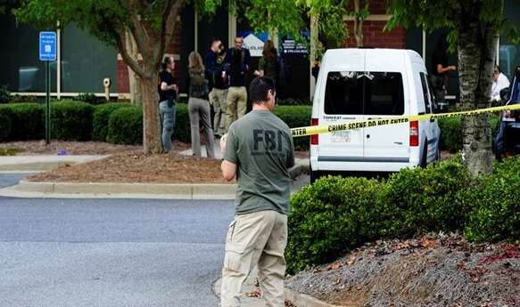 """Killed and wounded among agents of """"FBI"""" shooting in Florida, Arabic newspaper in Boston-USA-Profile News"""